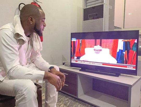 Davido Watching President Buhari's Address To The Nation On TV