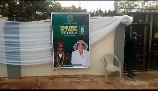 See The Moment The Bodies Of Nnamdi Kanu's Parent Left Mortuary