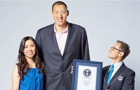The World's Tallest Married Couple (Photos)