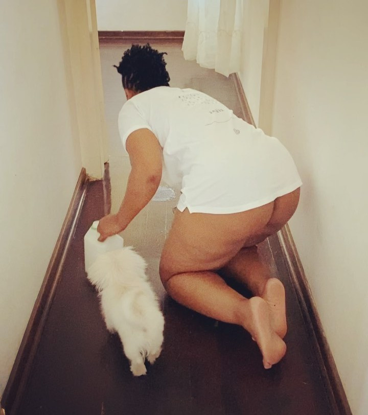 Zodwa Wabantu Goes Pantless, Bends To Clean Her House With Her Naked Backside